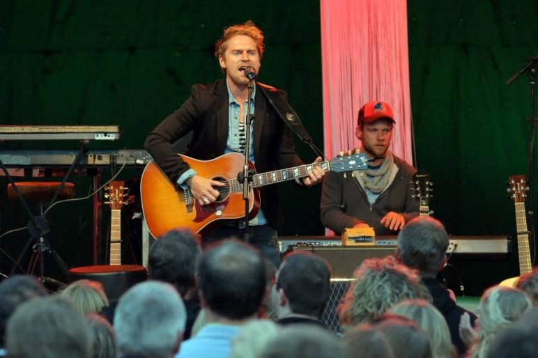 Johannes Oerding auf dem OLB Musikcamp in der Jugendherberge Leer (Foto: Markus Hibbeler)