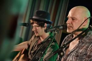 Norman Keil und Kai Wingenfelder auf dem Konzert in der Jugendherberge Lingen (Foto: Johanna Peek)