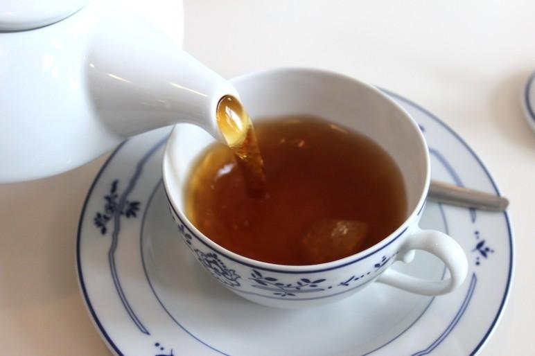 Ostfriesische-Teezeremonie-2