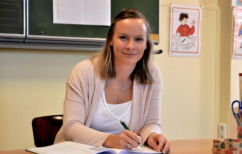 unterrichtet Klasse 1 bis 4 an einer Grundschule in Niedersachsen